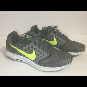 Men's Sz 9.5 Nike Air Downshifter 7 Sneakers